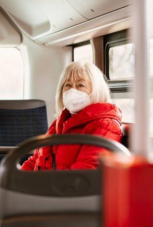 Im ÖPNV müssen Atemschutzmasken getragen werden